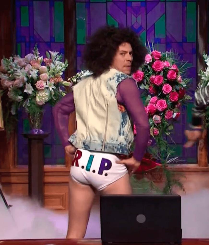 Harry Styles apresenta Watermelon Sugar no SNL