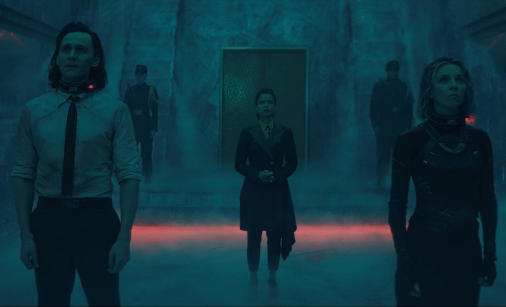 Loki, Ravonna e Sylvie na sala dos Guardiões do Tempo no episódio: O Evento Nexus